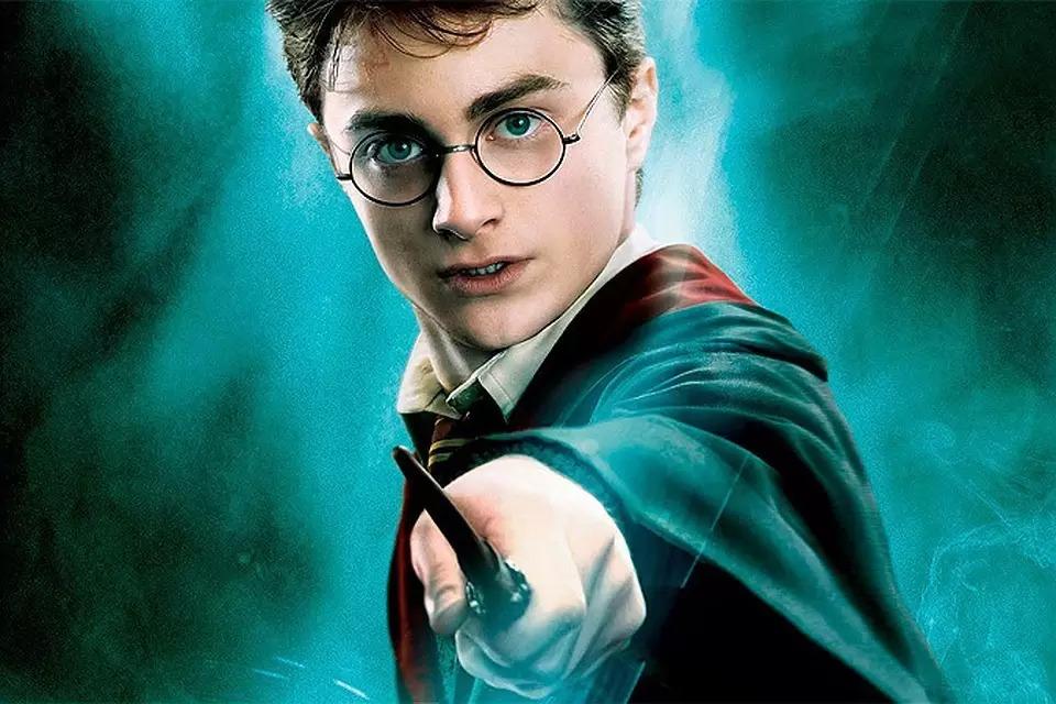 Россияне стали читать в два раза больше: в топе книги о Гарри Поттере и Ведьмаке