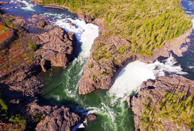 Плато Путорана: Путешествие к самому мощному водопаду России