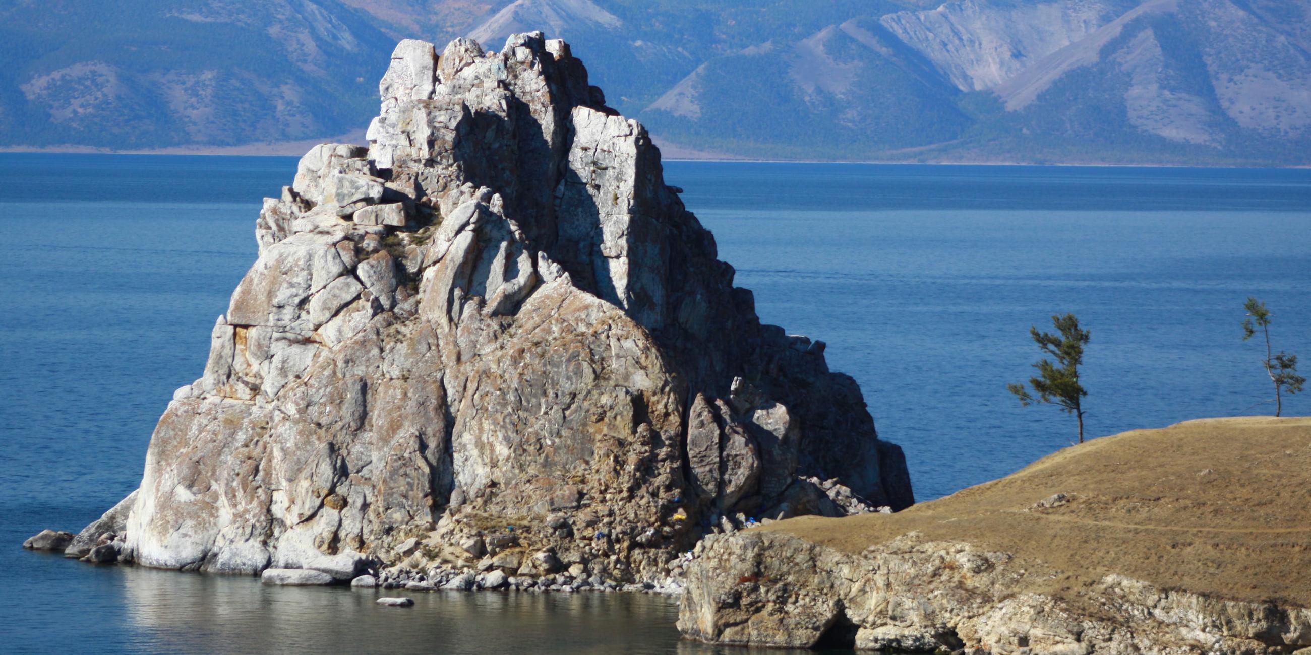 Скала Шаманка - один из образов БайкалаФото: Юлия Пыхалова,
