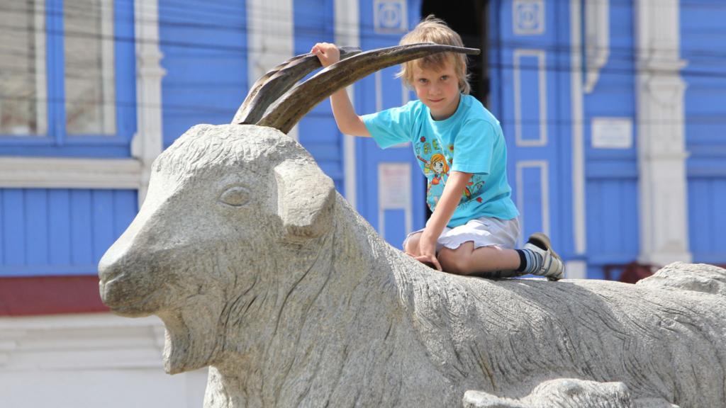 памятник козе в урюпинске