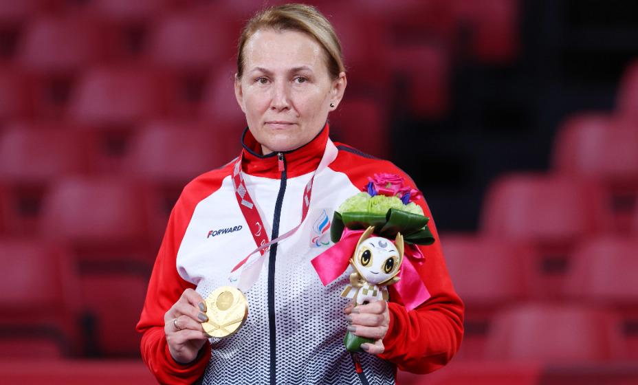 Елена Прокофьева - обладательница золотой паралимпийской медали Игр-2020 в Токио по настольному теннису. Фото: Global Press Look