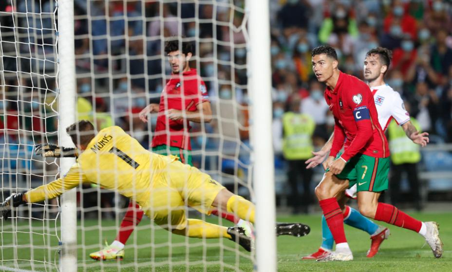 Капитан сборной Португалии Криштиану Роналду побил свой рекорд по числу хет-триков за команду. Фото: Reuters